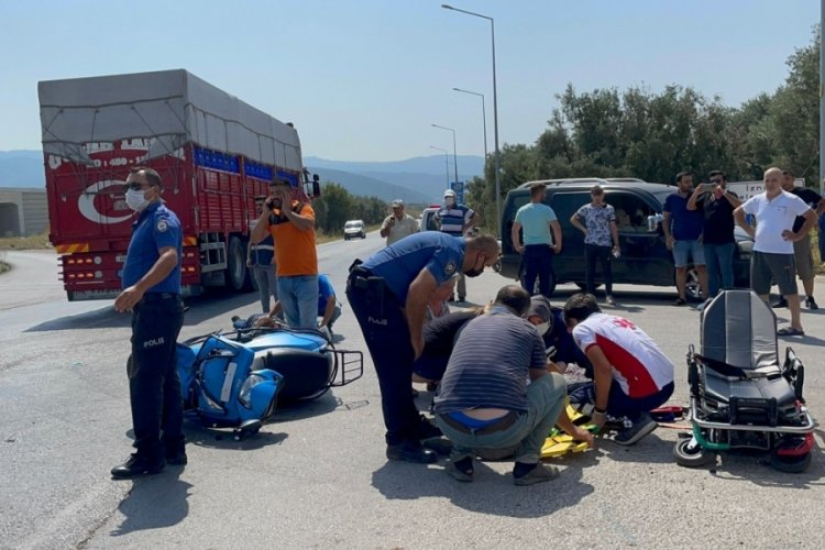 Bursa İznik'te meydana gelen trafik kazasında 1'i ağır 2 kişi yaralandı