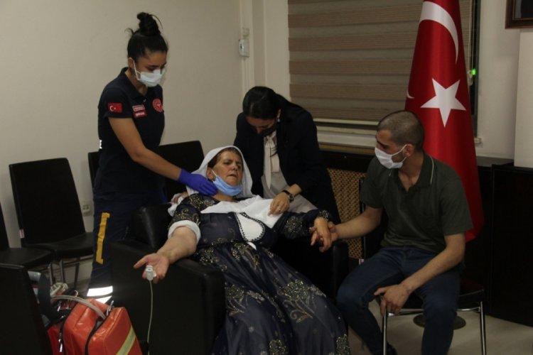 İkna yoluyla teslim olan PKK'lı ailesiyle bir araya getirildi