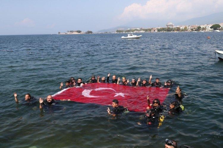 Marmara Denizi'ne zafer dalışı