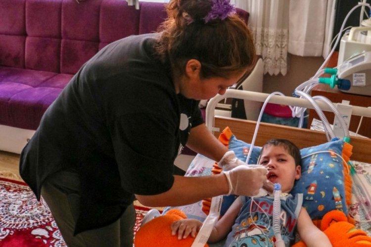 Annesi, ördüğü liflerle tedavi ettirmek istiyordu, SMA hastası Uğur yaşama tutunamadı