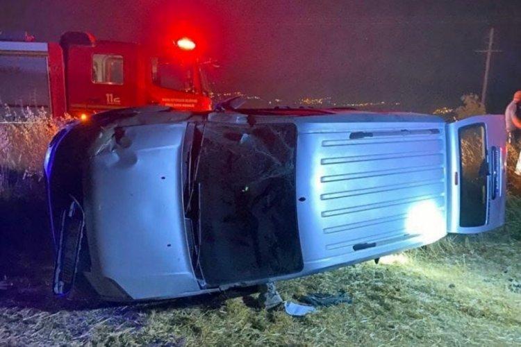 Takla atan aracın sürücüsü kurtarılamadı