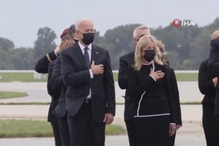 Biden, saldırılarda hayatını kaybeden ABD askerlerinin cenazelerini karşıladı