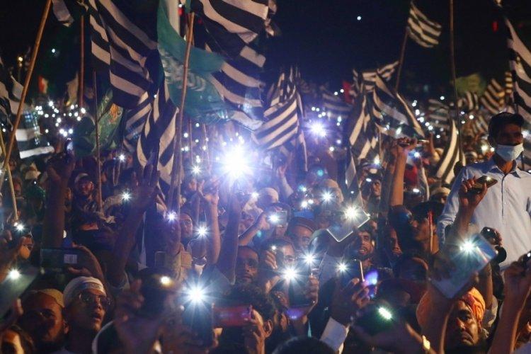 Pakistan Karaçi'de hükümet karşıtı protesto!