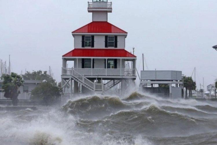 ABD'de İda Kasırgası alarmı: Tehlike 4. seviyede