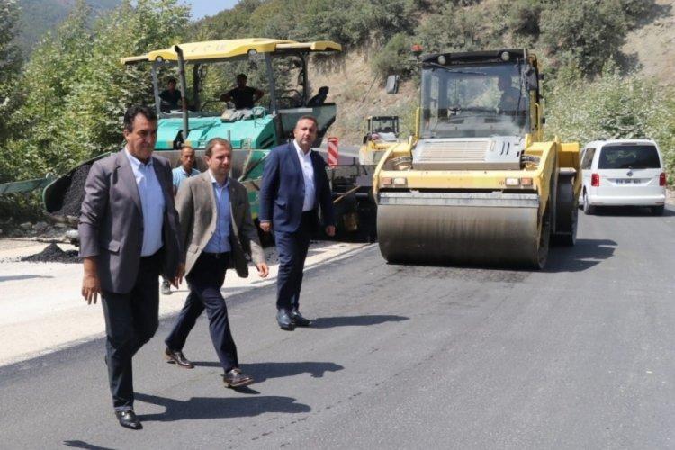 Bursa-Keles Yolu'nda bozuk yollar yenileniyor