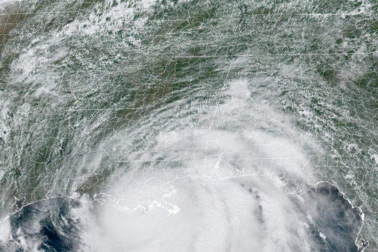 ABD'de Ida Kasırgası'nda 100 binden fazla ev elektriksiz kaldı