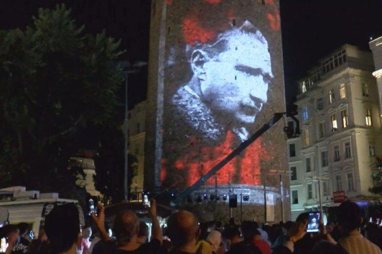 Galata Kulesi'nde 30 Ağustos'a özel ışık gösterisi