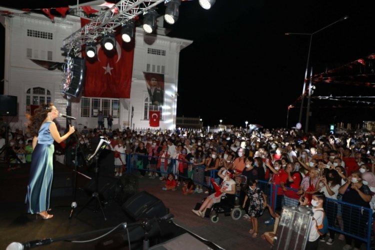Bursa Mudanya'da coşkulu kutlama