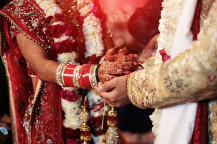 Hindistan'da evlilik içi tecavüzün suç kapsamına alınmamasına yönelik tartışma büyüyor