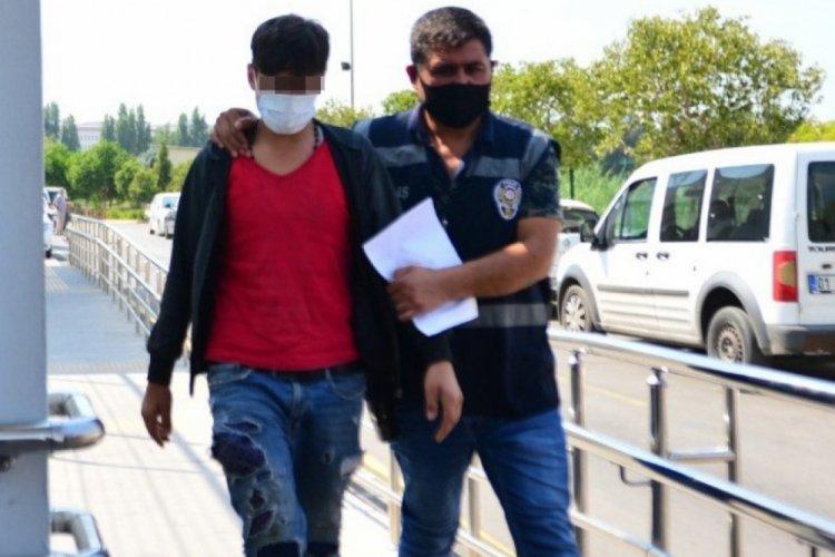 Adana'da telefon hırsızları yakayı ele verdi