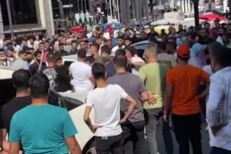 İstanbul Merter'de satırlı bıçaklı kavga!
