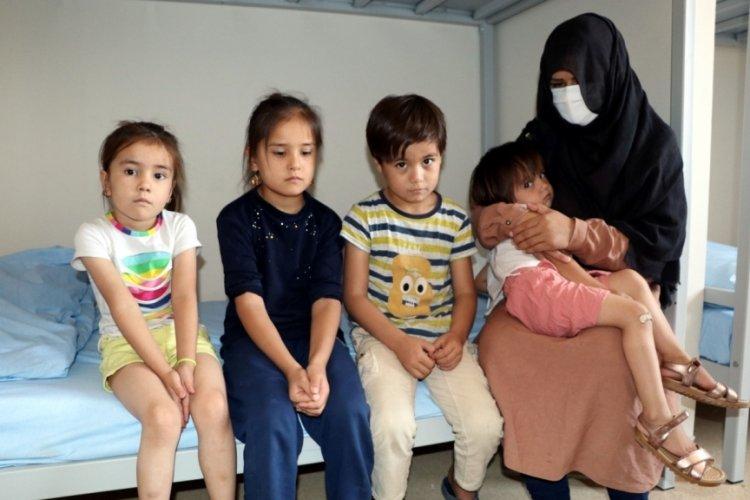 Afganistan'dan kaçan Ferzana: Çocuklarımla dağlarda 3 gün aç ve susuz kaldık