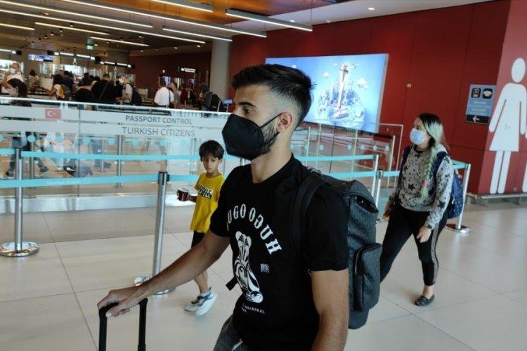 Uruguaylı futbolcu Diego Rossi, Fenerbahçe için İstanbul'a geldi