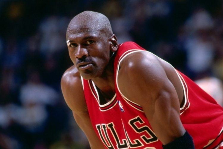 Efsane basketbolcu Michael Jordan'ın iç çamaşırı açık artırmada satışa çıktı