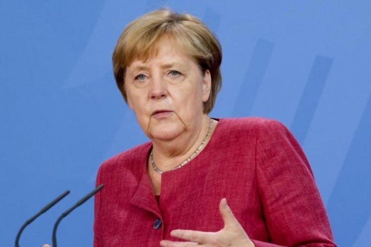Angela Merkel: Afganistan'da Almanya'da oturum izni olan 10 bin ila 40 bin arası kişi kaldı