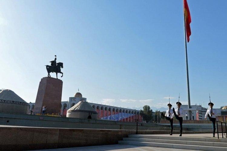 Orta Asya ülkesi Kırgızistan Cumhuriyeti 30 yaşında