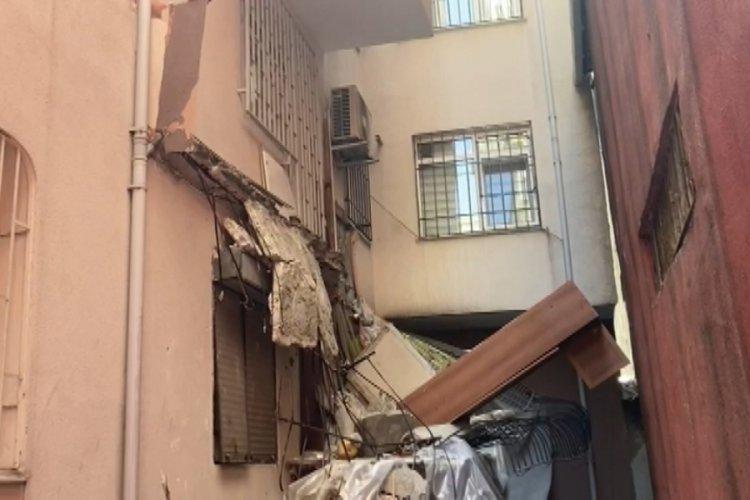 İstanbul Güngören'de balkon çökünce bina mühürlenerek boşaltıldı