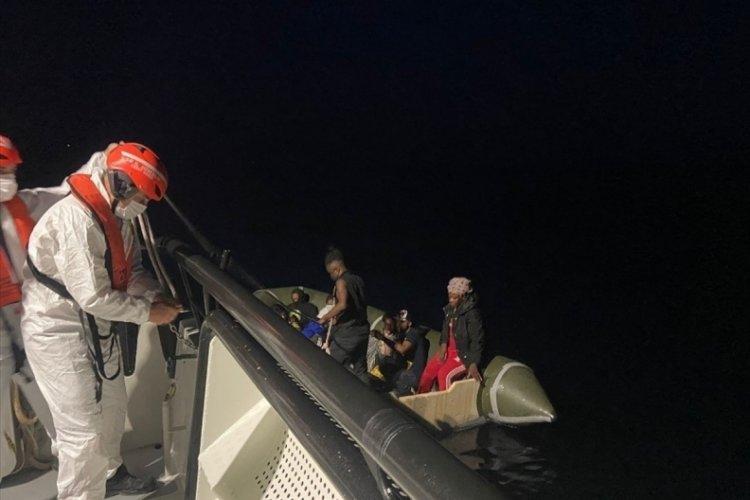 Kuşadası'nda 120 düzensiz göçmen kurtarıldı