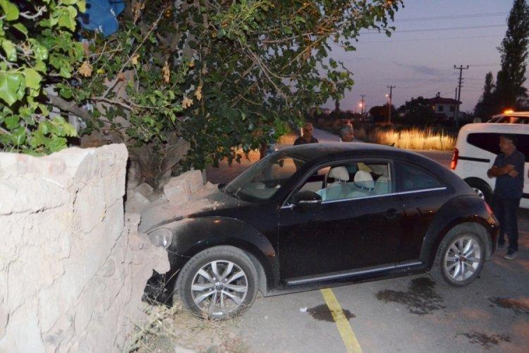 Aksaray'da 2 otomobil çarpıştı: 5 yaralı