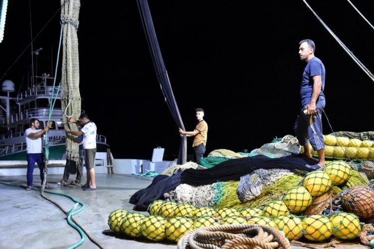 """Karadeniz'de balıkçılar """"vira bismillah"""" diyerek denize açılacak"""