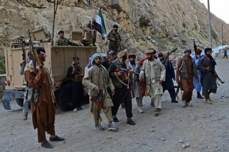 Taliban Pençşir'in dünya ile bağlantısını kesti!