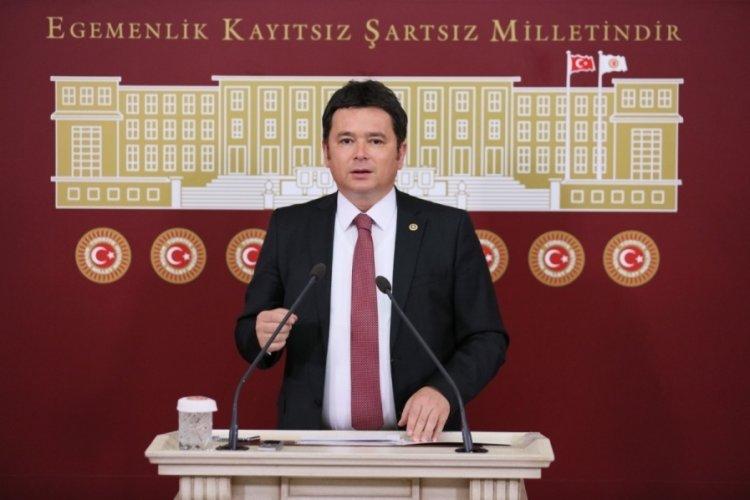 Milletvekili Erkan  Aydın, Bursa Şehir Hastanesi önündeki ölümü TBMM'ye taşıdı