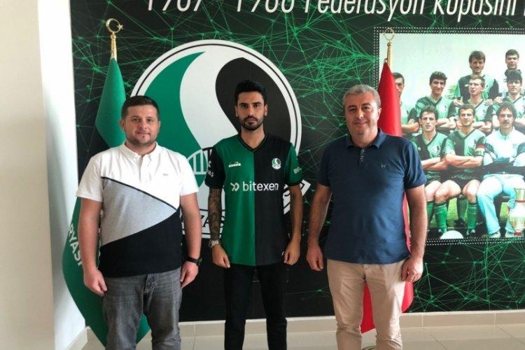 Bursaspor'dan gönderildi, Sakaryaspor'la anlaştı