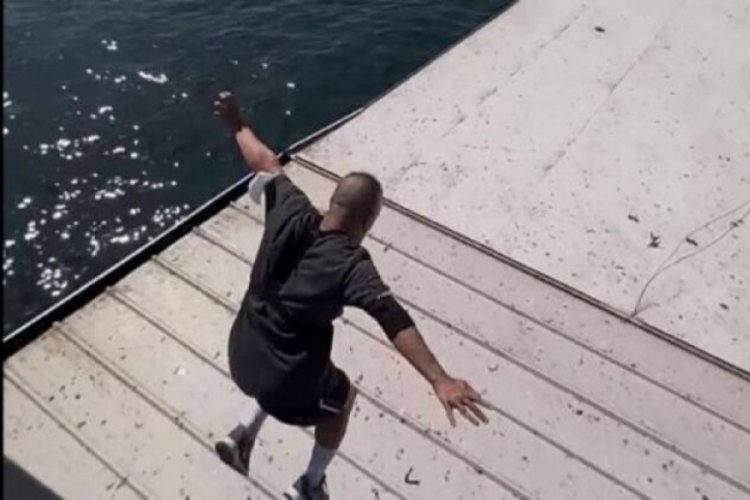 Galata Köprüsü'nden gemiye atlayan fenomene gözaltı!