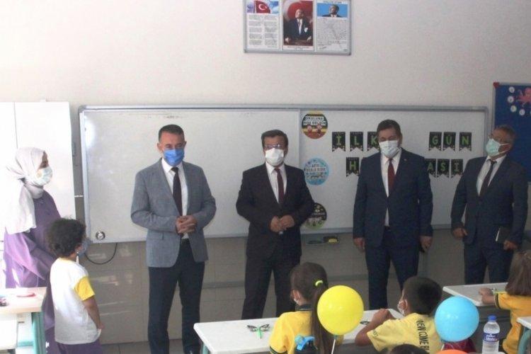 Bursa İl Millî Eğitim Müdürü Altıntaş öğrencilerin heyecanına ortak oldu
