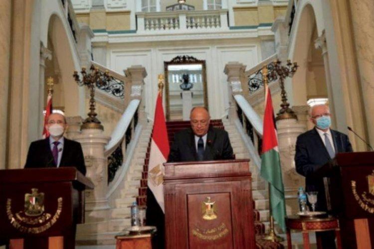 Mısır, Filistin ve Ürdün'ün katılımıyla üçlü zirve Kahire'de başladı