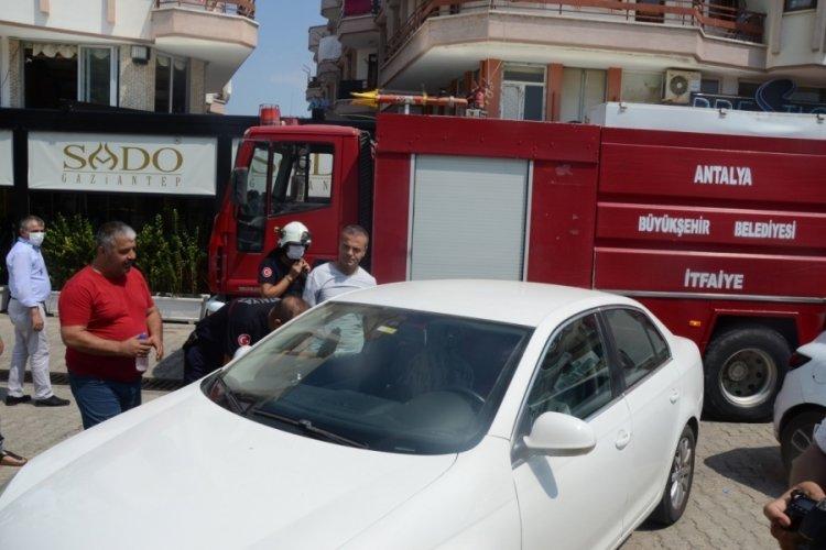 Antalya'da araçta mahsur kalan Samira, kurtarıldı