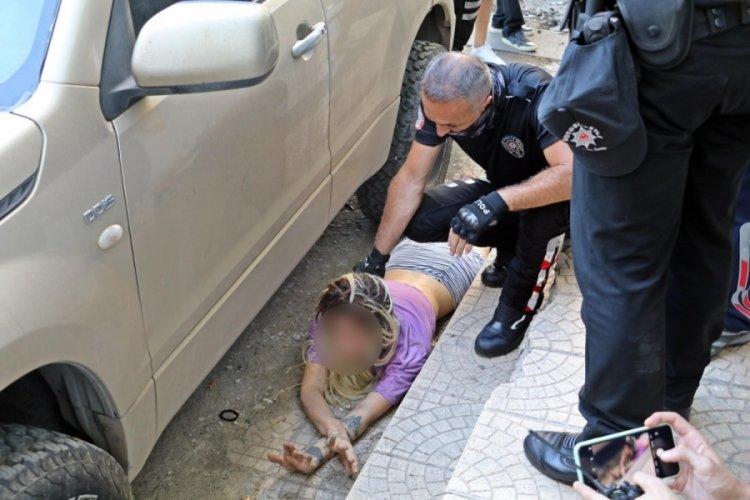 Antalya'da rehin tutulduğunu iddia eden genç kız pencereden atladı
