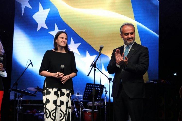 Bursa'da Boşnak ezgileri eşliğinde keyifli akşam