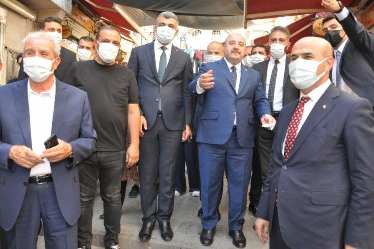 Bakan Varank, Mardin'de tarihi çarşıları ziyarette bulundu