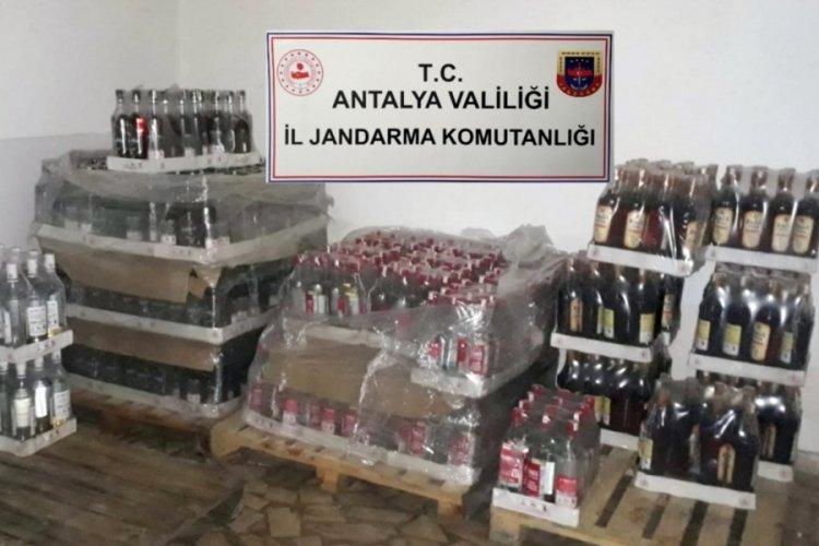 Antalya'da otellerde yapılan denetimlerde 5 bin 6 litre kaçak ve sahte içki ele geçirildi