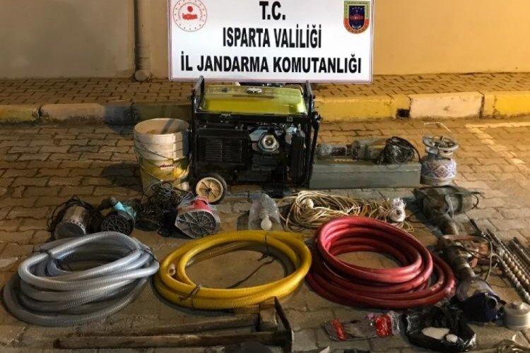 Isparta'da kaçak kazı yapan şahıslar tutuklandı