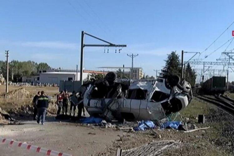 Tekirdağ'da korkunç kaza! Tren minibüse çarptı