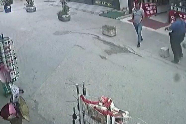 Bursa'da ayağı takıldı ölümden saniyelerle kurtuldu