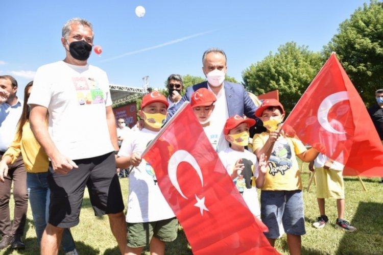 Bursa'da yaz tatiline 'Kral Şakir'li veda
