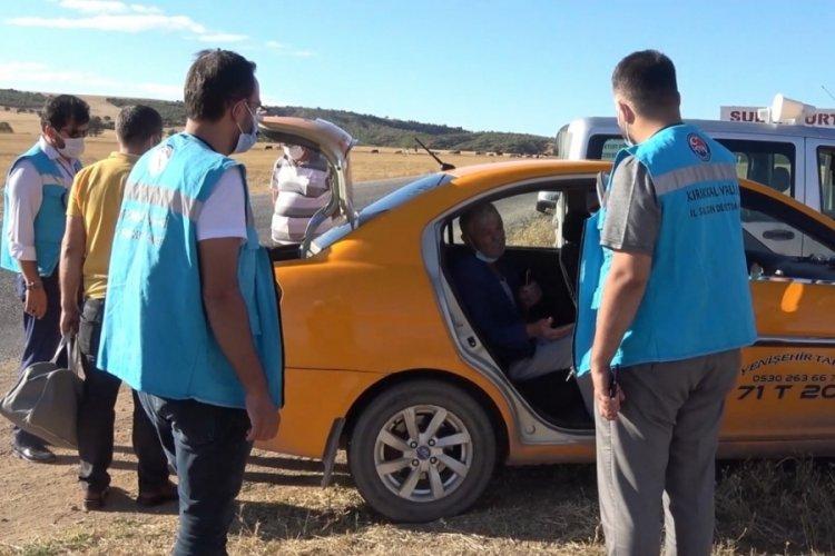 Pozitif müşteri taksiye bindi, sürücü temaslı duruma düştü