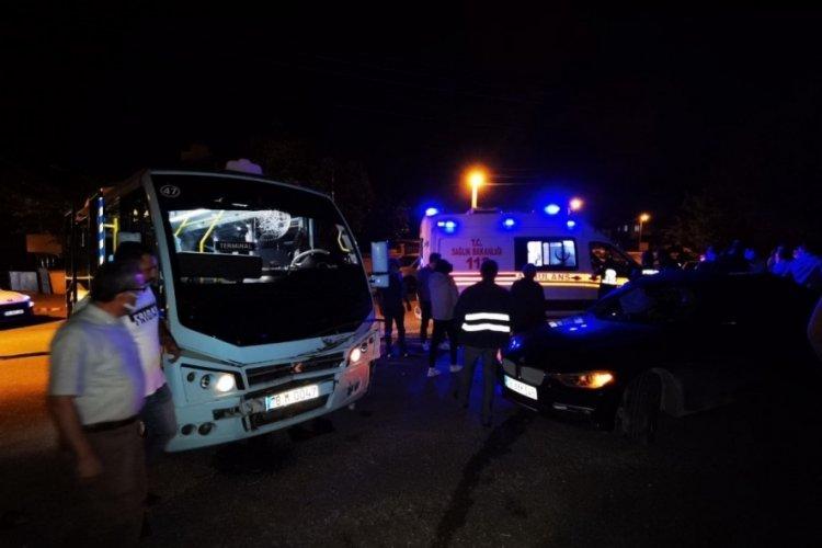 Yolcu minibüsü kaza yaptı: 2'si çocuk 8 yaralı