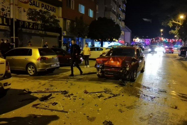 Bursa'da polisten kaçan alkollü sürücü dehşet saçtı! 2 yaralı