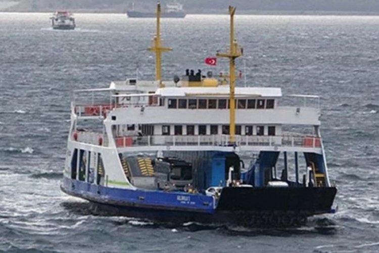 Çanakkale'de feribot seferlerine fırtına engeli!