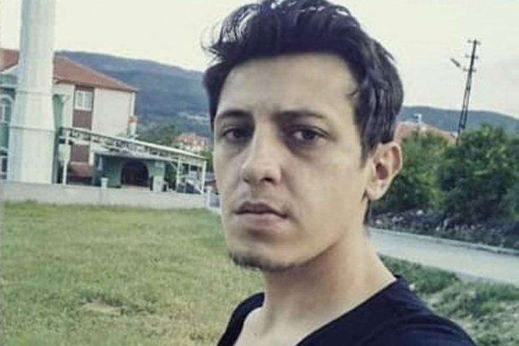 Burdur'da kayalıklara çarpıp, yanan otomobilin sürücü öldü