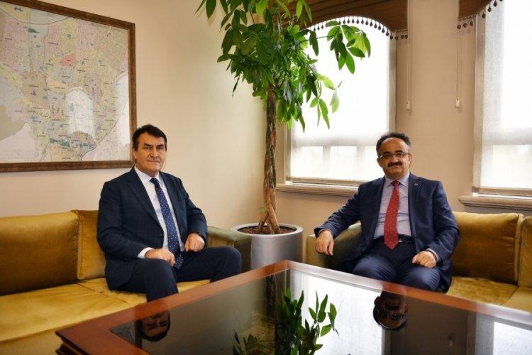 Bursa Osmangazi Belediye Başkanı Dündar, Kaymakam Orhan'ı uğurladı