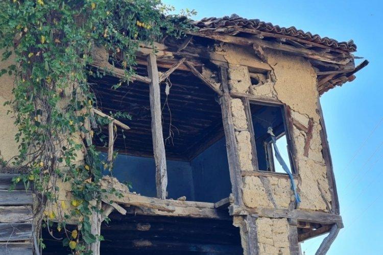Bursa'nın Nilüfer ilçesindeki Tahtalı Mahallesi'nde imar sorunu var! Evlerine çivi bile çakamıyorlar... (ÖZEL HABER)