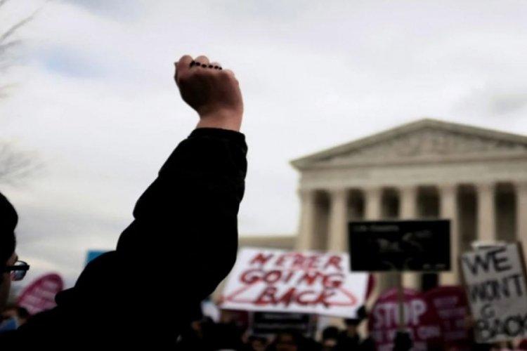 ABD'de kürtaj yasağına tepki devam eddiyor