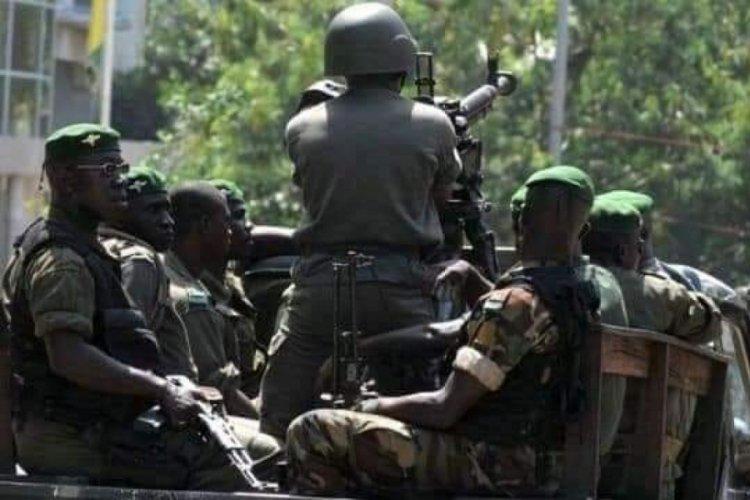 Gine'de cunta, geçiş hükümeti için çalışmalarını başlattı