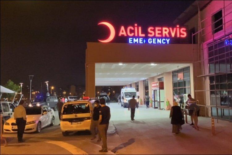 Diyarbakır'da bir kişi tabancayla oynarken kendini yaraladı