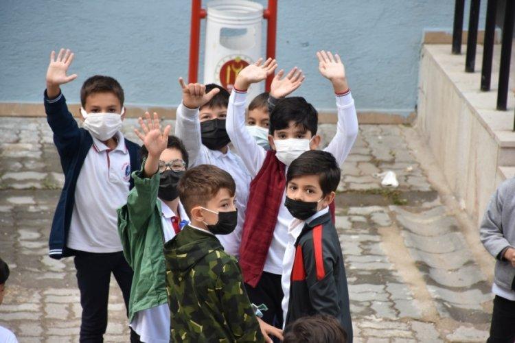 MEB tarafından duyuruldu: Koronavirüs hastası ve temaslısı öğrencilere mazeret izni